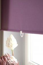 Rolety w dekorowaniu okna – sprawdź, w jaki sposób twoje mieszkanie może modnie wyglądać